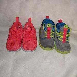 2 Nike sneakers